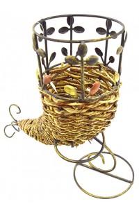 Подставка для цветов из ротанга в металле Рожок.