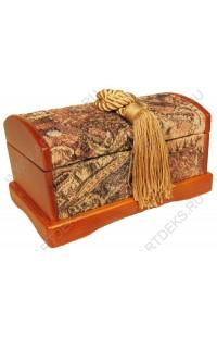 Шкатулка деревянная для украшений с гобеленом.