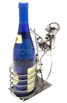 Держатель для винной бутылки из металла немецкий дизайн МЧС на задании